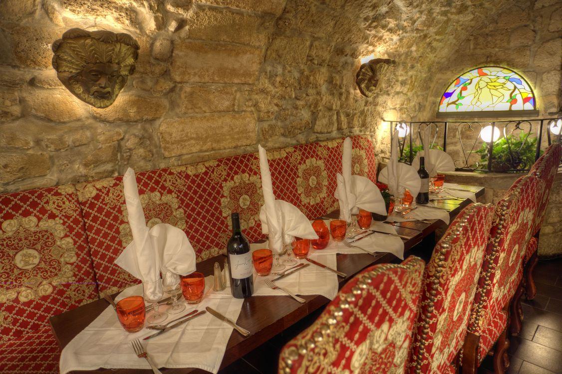 Salle déjeuner restaurant groupe Paris L'Escarmouche