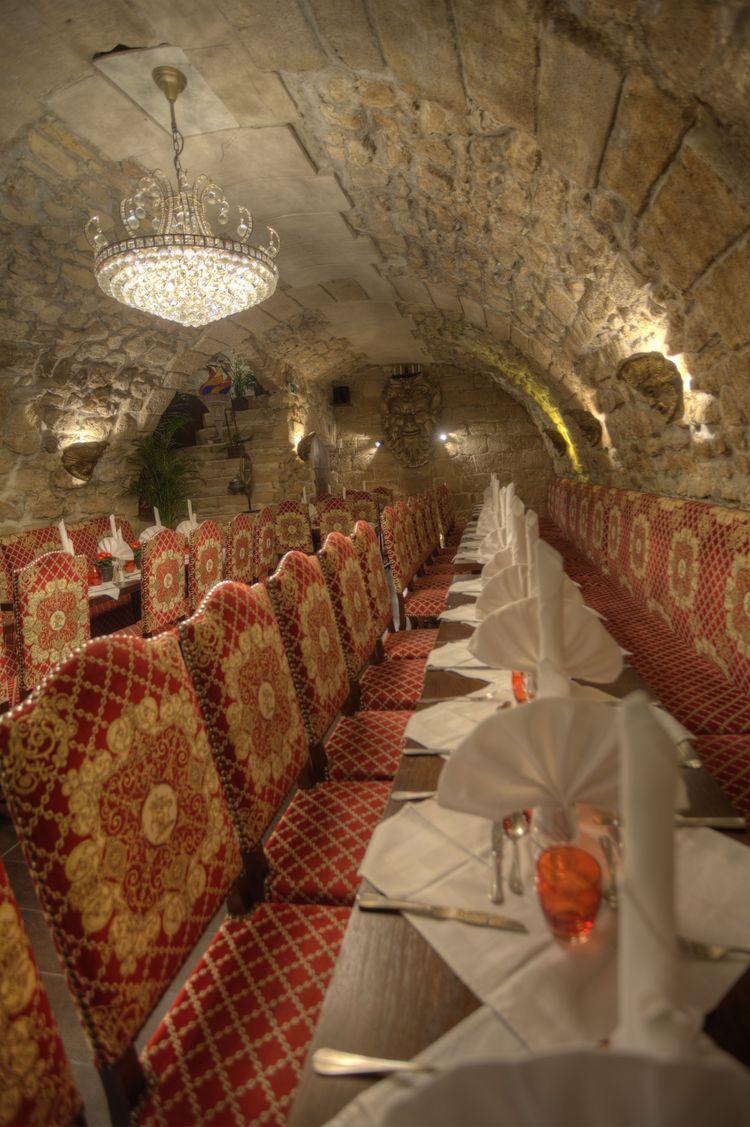 Réservation groupe avec privatisation de salle - restaurant Paris L'Escarmouche